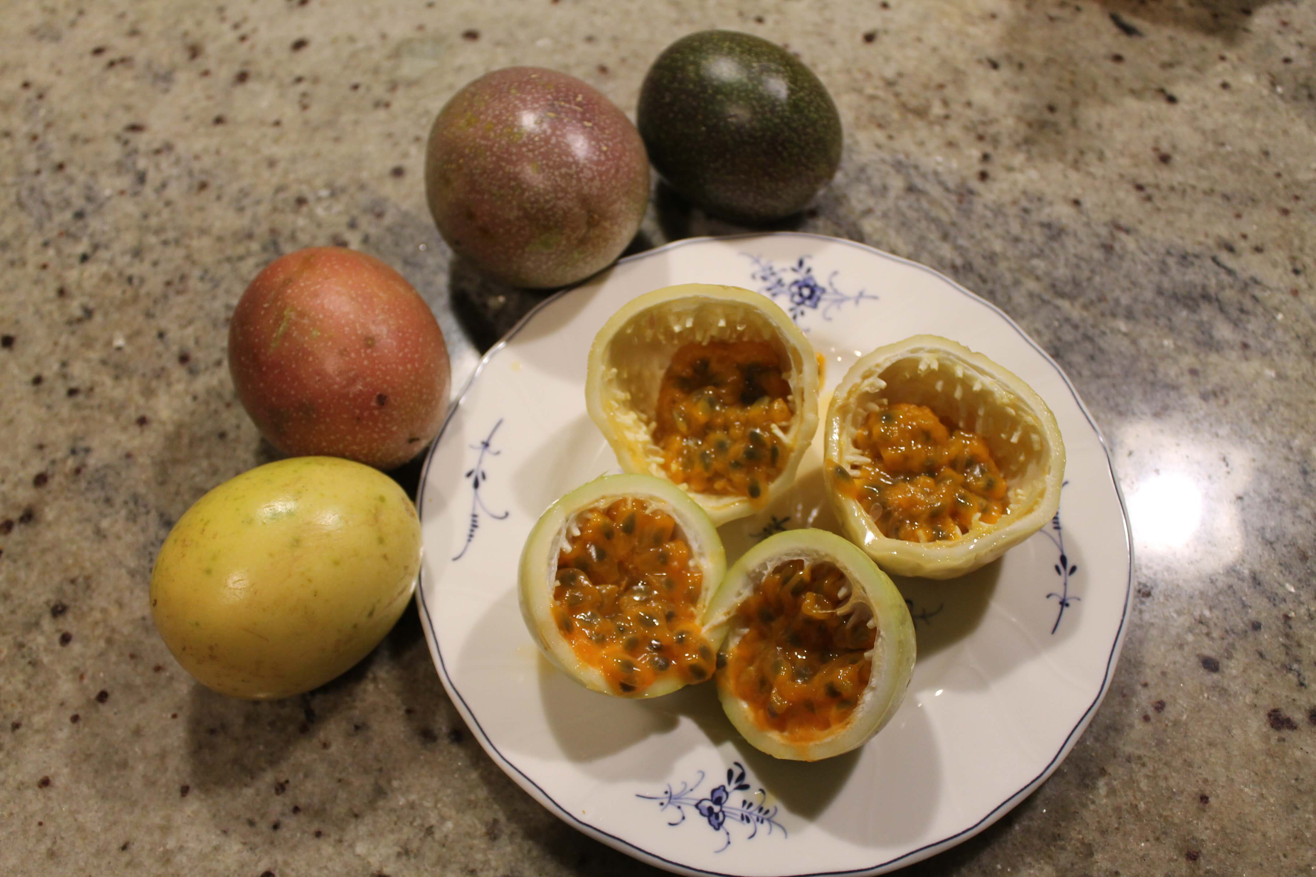 how to cut yellow passion fruit